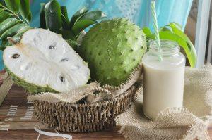 soursop-coconut-smoothie